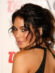 style_tip_everyones_wearing_romantic_curly_updos