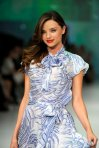 miranda_kerr_lovely_on_the_catwalk (1)