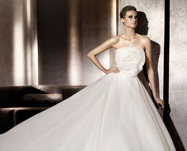 Pronovias-2012-wedding-dress-collection-05