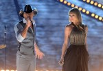 tim-mcgraw-and-taylor-swift-acm-awards-2013-ftr2