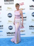 Jennifer-Nettles-Georges-Chakra-2013-Billboard-Music-Awards-1
