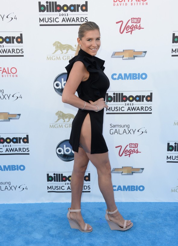 Keha-Givenchy-2013-Billboard-Music-Awards