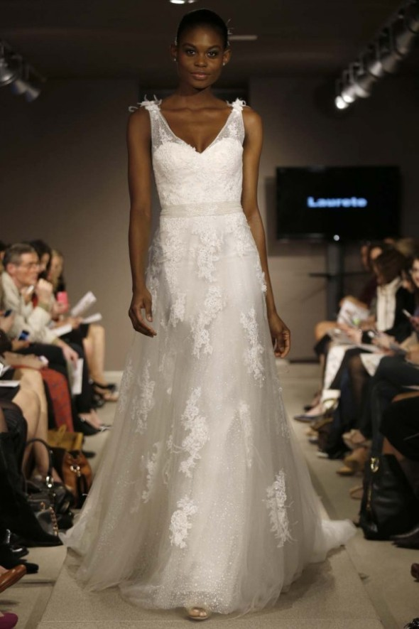 Pronovias-Spring-2014-Wedding-Dress_03-600x900