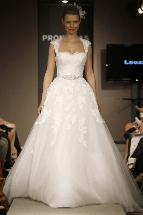 Pronovias-Spring-2014-Wedding-Dress_18-600x900