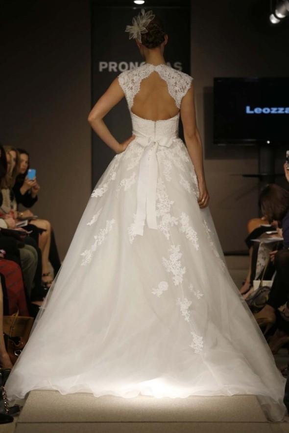 Pronovias-Spring-2014-Wedding-Dress_19-600x900