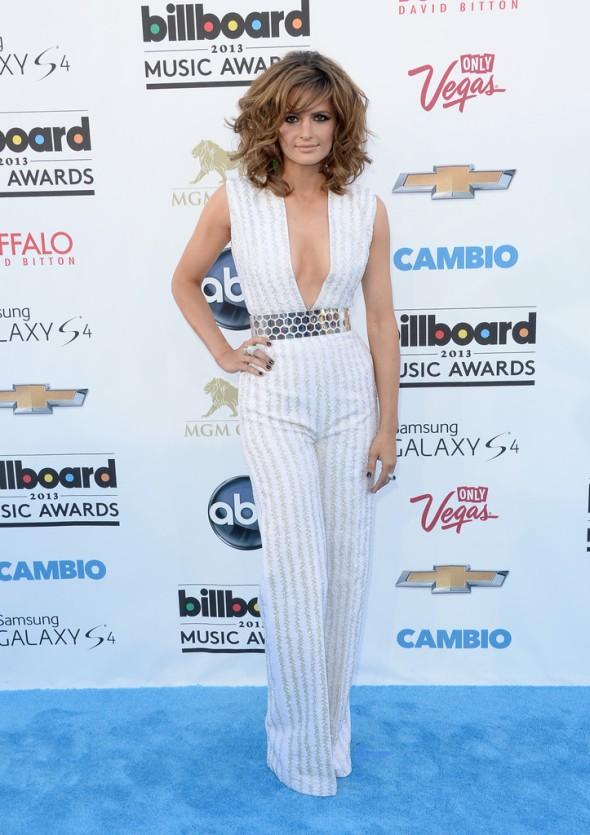 Stana-Katic-Nicholas-Oakwell-Couture-2013-Billboard-Music-Awards