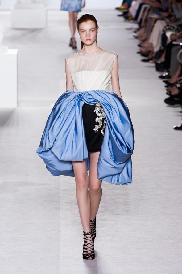 giambattista-valli-haute-couture-autumn-2013----pfw9