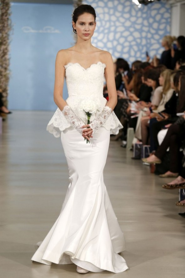 Oscar-De-La-Renta-Spring-2014-Wedding-Dresses-20-600x900