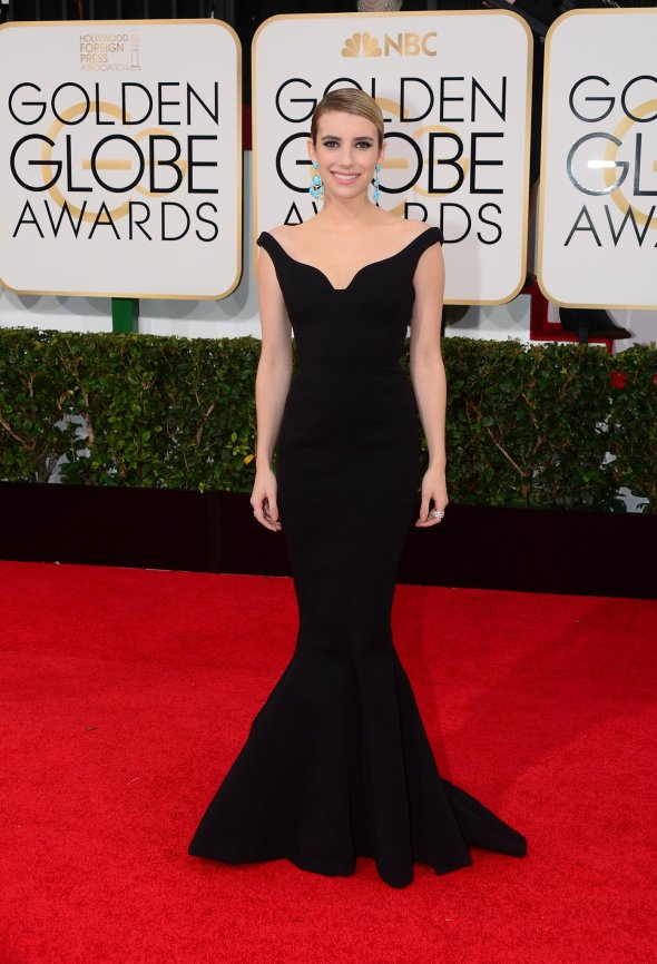 Emma-Roberts-looked-lovely-black-off--shoulder-gown