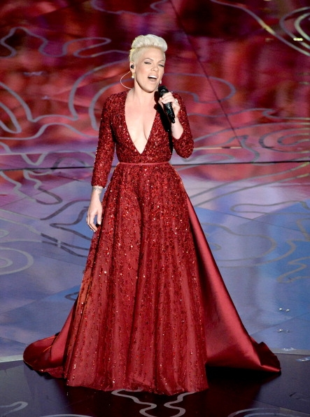 Pink-Wearing-Elie-Saab-Couture-2014-Oscars