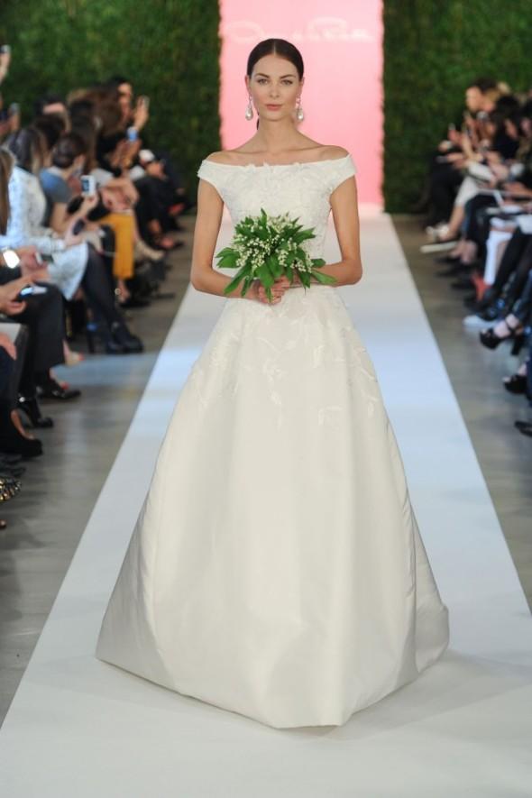oscar-de-la-renta-spring-2015-wedding-dresses-176-600x901
