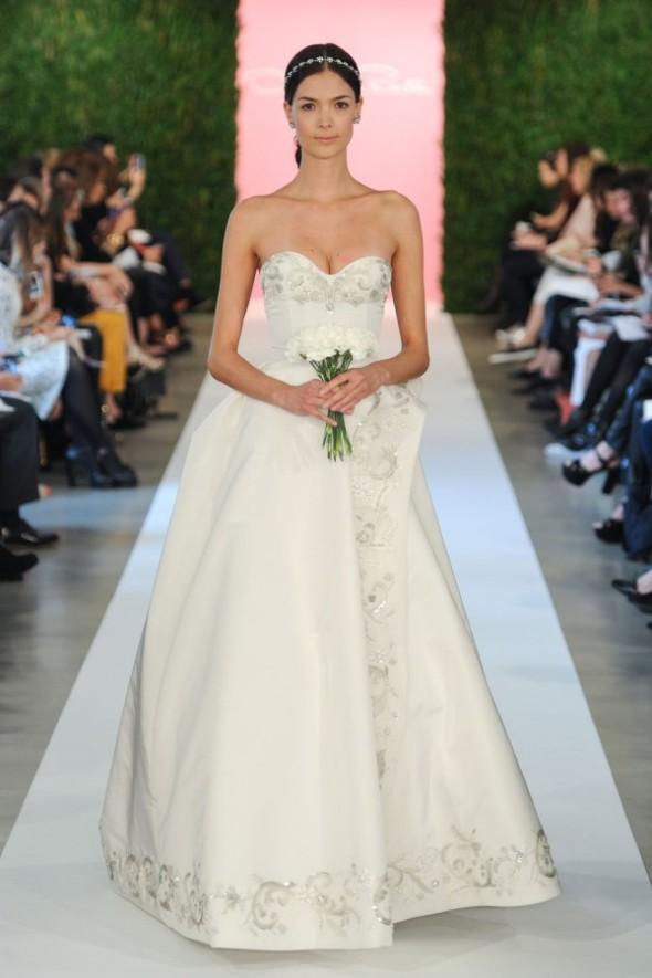 oscar-de-la-renta-spring-2015-wedding-dresses-181-600x901